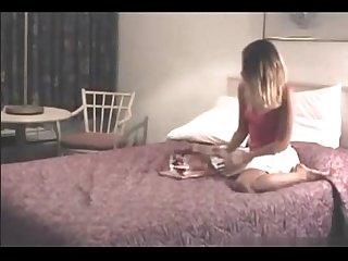 Novinha se masturbando Na cama
