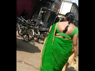 OPEN BACK AND BIG BOOTY BHAIYANI IN GREEN SAREE