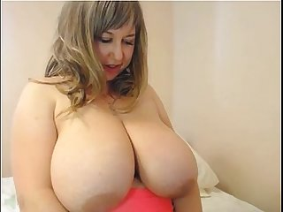 Webcam mommy with huge boobs rubbing pussy asshole more mature sluts on camsbarn com