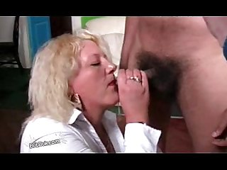 Amateur british milf Stacey in a bukkake party at home