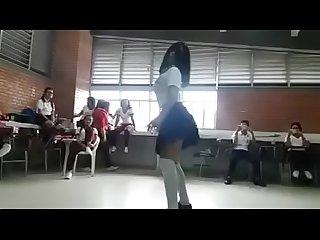 Teen de preparatoria concurso de baile sexy