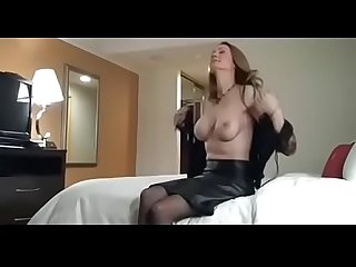 Beautiful married lady enjoying that guy s cock