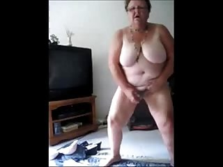 Exhibitionist slut granny selftaped masturbating period amateur