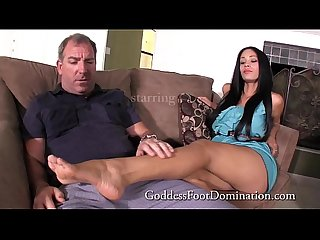 Jamie�s Mother�s Date - FootFetish - Footjob