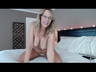 Slut Milf Fucks Ass On Live Webcam Show
