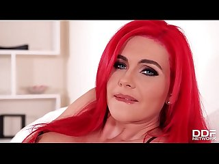 Sex goddess Roxi Keogh stimulates her clit with vibrating sex toy