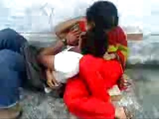 Bangladeshi School guy romance in Park - With Bangla Audio - Wowmoyback
