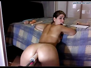 Italian camgirl gets ass hard by her machine paxcams.com