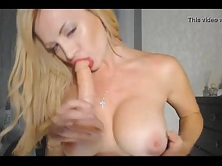 Big Tits Cam Babe with hand deep in her hole - combocams.com