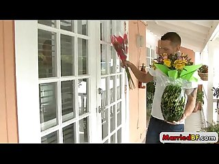 Flower deliver guy gets fucked by MarriedBF