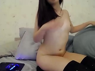 Cute asian girl playing with pussy on webcam - BeautyOnWebcam.com