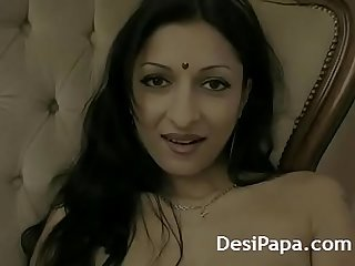 Indian Housewife Madhuri Home Alone Masturbation